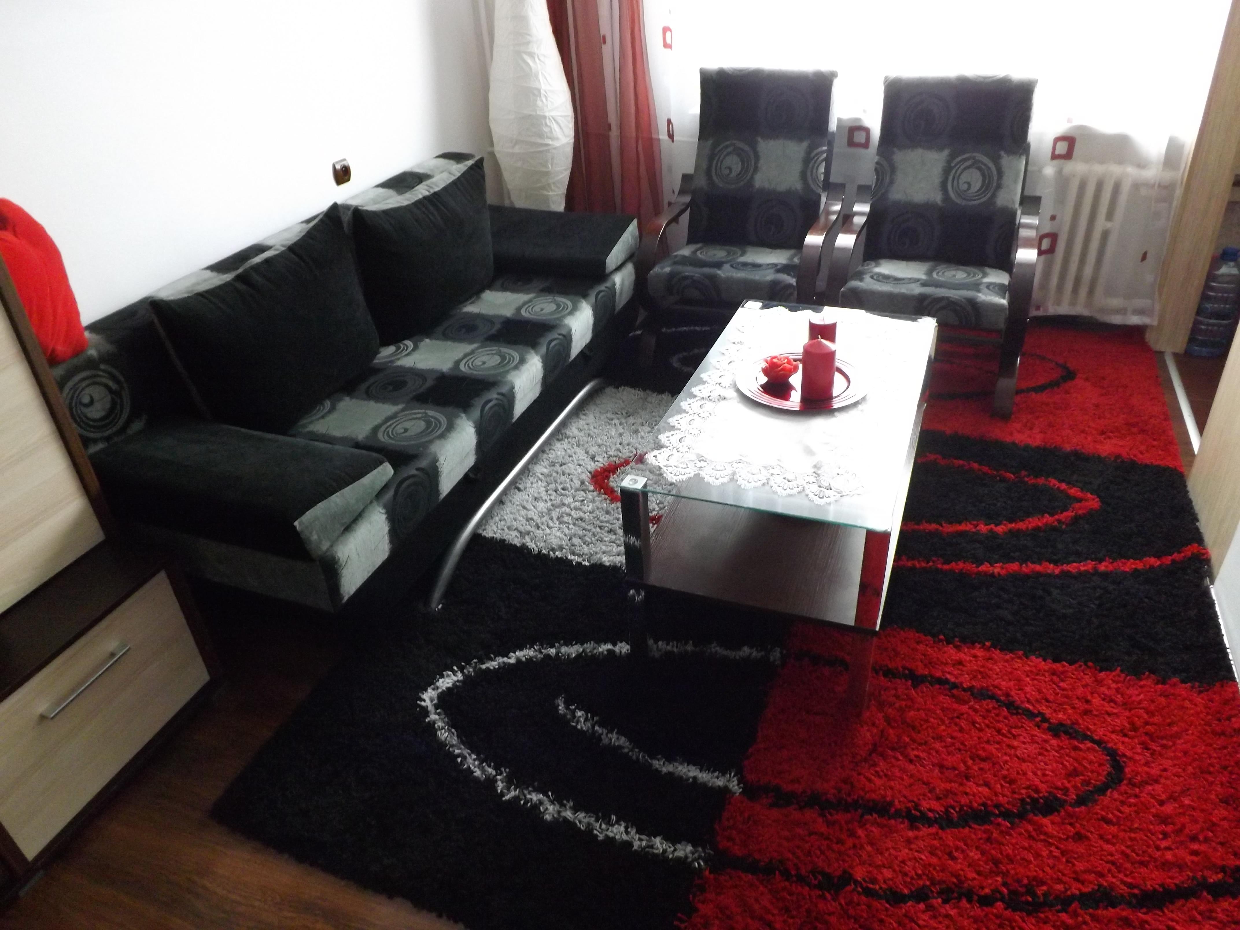 Aranżacja Dywan ahggy, włochacz, czarny czerwień